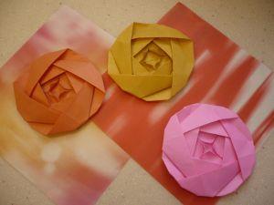 Amazon.com: 500 Origami Paper Crane Silver 15cm 6inch with Rose ... | 225x300