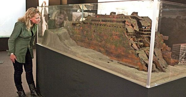 Titanic Wreck Model Rms Titanic Pinterest Models