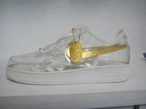 realeza Debe Aptitud  CLEAR NIKES WITH GOLD TICK on The Hunt | Af1 shoes, Shoes, Nike
