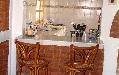 Barracocina desayunador cocina pinterest cocinas for Fabricacion de bares de madera