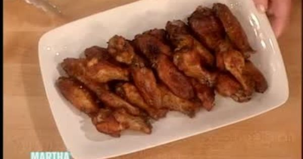 Classic Baked Chicken Wings | Baked Chicken Wings, Chicken Wings and ...