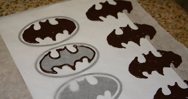 chocolate stencil for batman cupcakes or cookies - pipe on parchment or