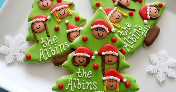 Glorious Treats: Christmas Family Tree Cookies {with printable toppers}