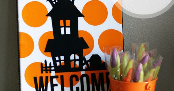 What a cute idea for Halloween vinyl on canvas ...