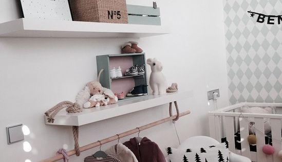 une branche comme penderie pour d corer la chambre de b b b b pinterest recherche. Black Bedroom Furniture Sets. Home Design Ideas