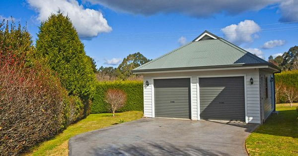 Large stand alone garage with 2 single colorbond roller for Stand alone garage