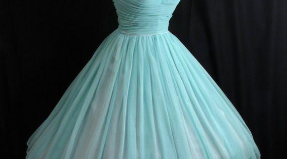 #1950s vintage turquoise prom dress Vintage dress 2dayslook Vintagestyle Vintagefashiondress www.2dayslook.com