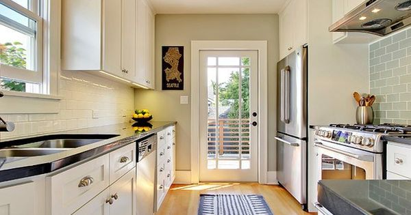 4 decorating ideas how to make a galley kitchen look - How to decorate a small kitchen ...