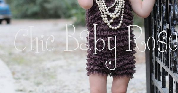 Pearls and Cowboy Boots - Love it (cute photo idea)