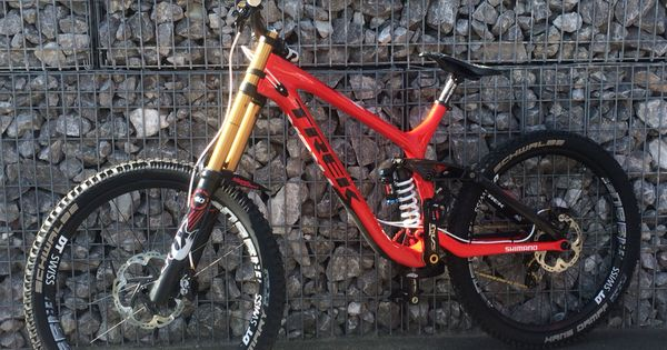 Trek Session 9 9 2015 Hellboy Custom Edition Montain Bike Downhill Bike Trek Bikes