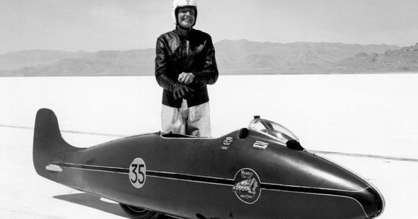 World 39 s fastest indian motorcycle burt munro world s fastest indian bonneville - Garage peugeot bonneville ...