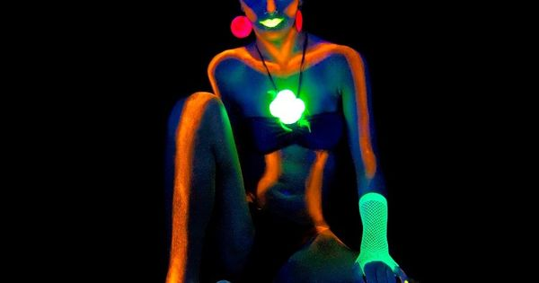 glow in the dark body paint xoxo ideas pinterest body paint. Black Bedroom Furniture Sets. Home Design Ideas