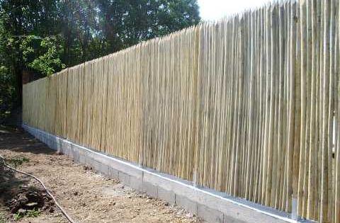 Cl tures brise vue cologiques en bois de ch taignier jardin clotures bordures portails for Cloture de jardin en toile