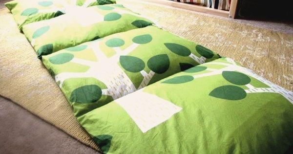 comment fabriquer un matelas oreiller faire r ver matelas soir e pyjama et oreillers faits. Black Bedroom Furniture Sets. Home Design Ideas