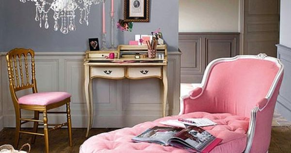 Cute little girls room! lOVE this chaise lounge!!