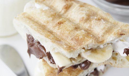 Sandwich Banane Marshmallow Nutella