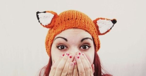 Fantastic Fox Hat knitted by etsy seller awberry.