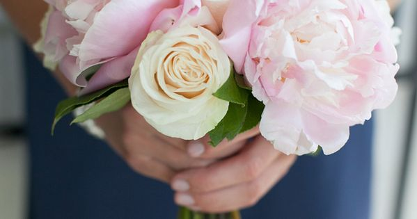 Average Cost Of Wedding Flowers In Los Angeles : A los angeles wedding with glittery and sparkly navy blue