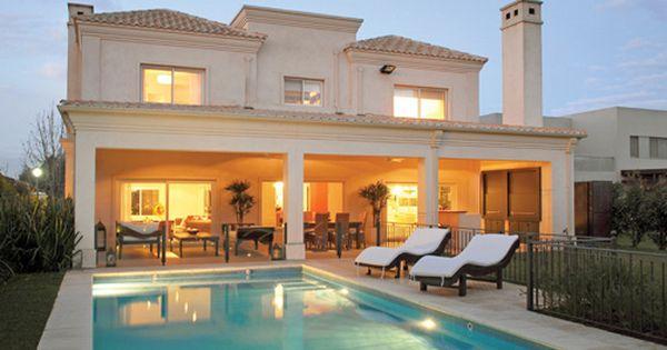 Arquitecto daniel tarrio y asociados estilo cl sico for Casas estilo clasico moderno