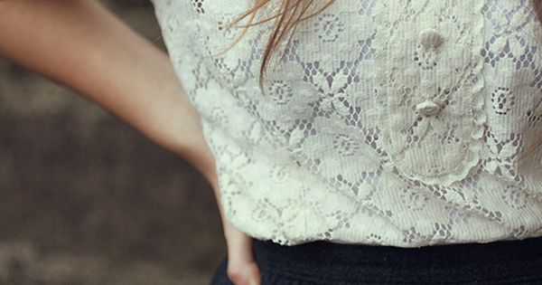 Really pretty white lace shirt with Peter Pan collar and half sleeves