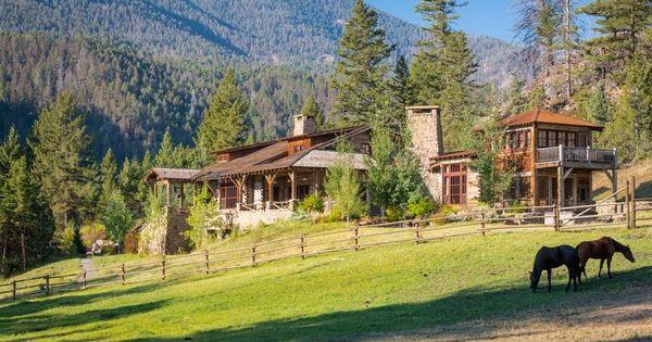 Big creek lodge custom montana wyoming homes on site for Custom home builders wyoming