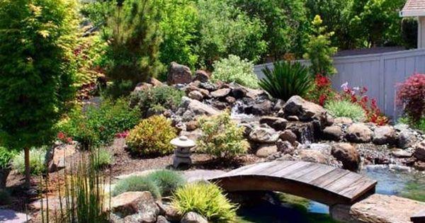 Garten mit steinen gestalten teich anlegen br cke bauen for Teich mit steinen