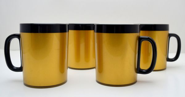 Set Of 4 Vintage Coffee Mugs West Bend Thermo Serv Gold