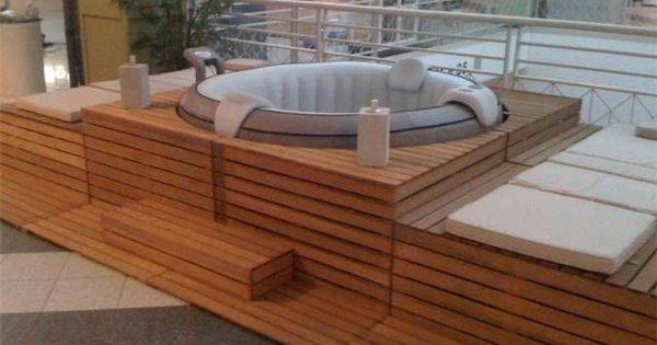 habillage de jacuzzi gonflable recherche google am nagement patio pinterest jacuzzi. Black Bedroom Furniture Sets. Home Design Ideas