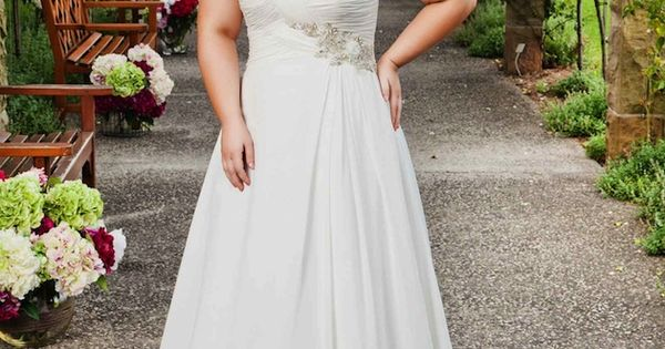 Top 10 Plus Size Wedding Dress Designers By Pretty Pear Bride plussize