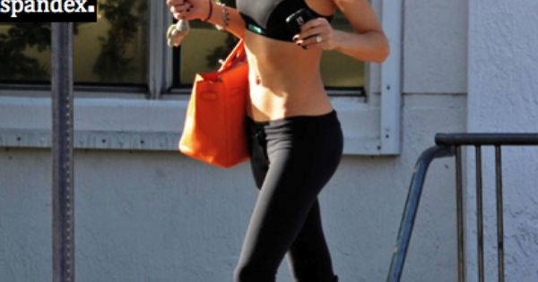 Anna Kournikova - sexy tennis player wearing leggings! Perfect outfit for workout!