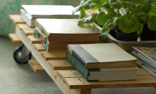 16 uses for recycled pallets: Pallet coffee table! LOVE!!
