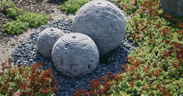 Water heeft vele gezichten een waterpartij in uw tuin is een waardevolle aanvulling een - Maak een eigentijdse tuin aan ...