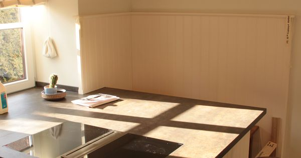 k che wei lackiert mit arbeitsplatte aus stein l s k chen pinterest arbeitsplatte. Black Bedroom Furniture Sets. Home Design Ideas