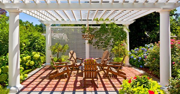 Patio windbreak traditional patio by sean papich for Garden windbreak designs