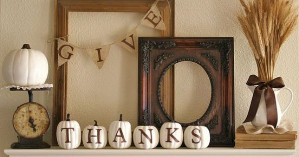 Thanksgiving Window Displays Decoration Idea With Give Thanks Letter On A Frame
