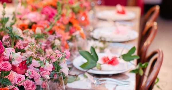 lush floral place settings & rustic tables // photo by megperotti.com BUT