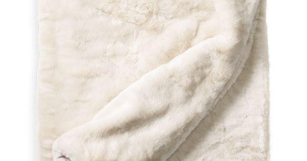 plaid fausse fourrure luxe blanc cass 130 x 180 cm. Black Bedroom Furniture Sets. Home Design Ideas