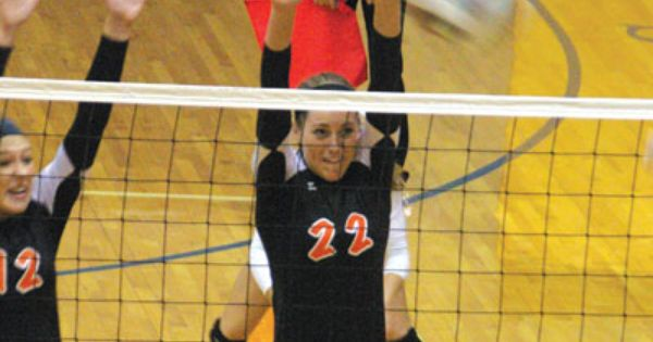 Kyle Shaner Advocate Photo Versailles Lauren Bruns Goes Up For A Block During A Sectional Tournament Volleyball M Advocate Darke County West Liberty