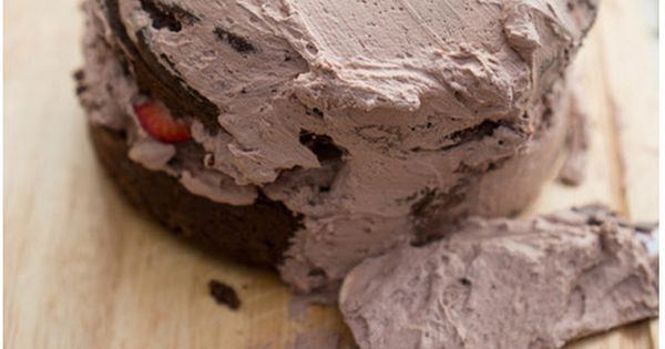 Kit Kat n Strawberry Cake | Homemade Food Recipes