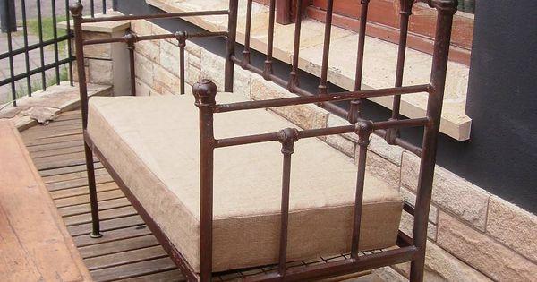 Antiguo camastro sill n de hierro c molduras de fundici n for Camastros de hierro para jardin