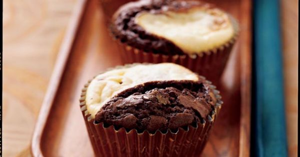 Ghirardelli Black Amp White Brownie Cupcakes Http Www