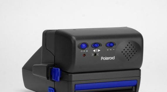Polaroid 600 Talking Camera In 2020 Polaroid 600 Vintage Polaroid Camera Vintage Polaroid