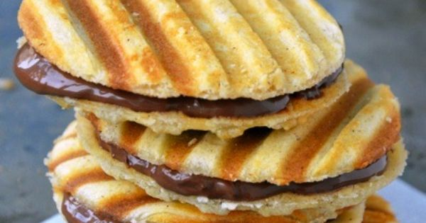 Nutella Waffle Sandwich Cookies Makes 1 Dozen Cookies Time: 30 minutes for
