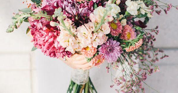 Pretty pink and orange bouquet. Ciara Richardson Photography // Erin Keller Florals