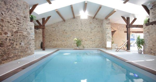 Piscine int rieure piscine 2 pinterest piscines for Piscine d interieur miroir