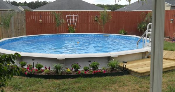 Front yard landscape 5 good above ground pool for Pool in front yard ideas