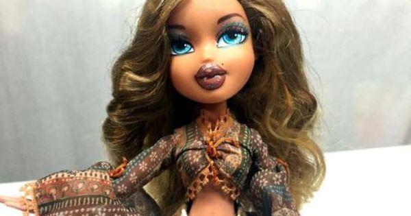 Bratz Doll Yasmin Doll W Wavy Brown Hair Amp Blue Eyes Clothes Brown Hair Blue Eyes Brown Hair Clipart Eye Clothes