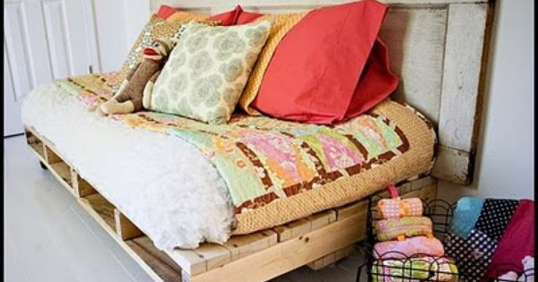 DIY day bed made with wooden pallets & and an old door...