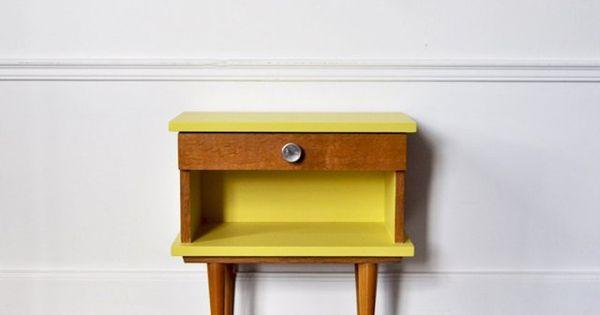 Diy 10 id es pour customiser un meuble en bois for Customiser un meuble en pin