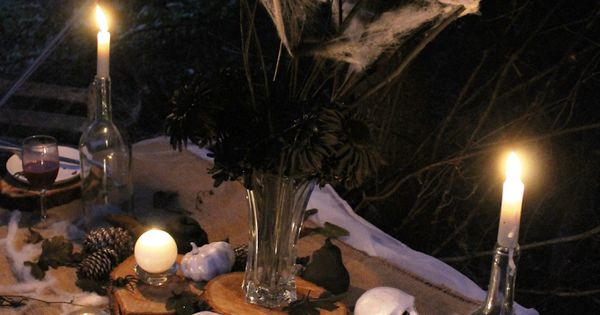 Learn how to design super rustic and spooky Halloween ...